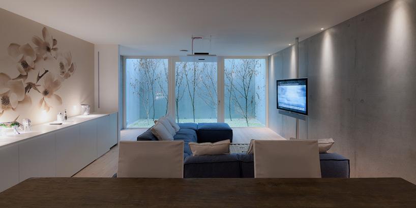 kambariuose nesusidaro radono dujos,  elektros, magnetiniai ir elektromagnetiniai laukai